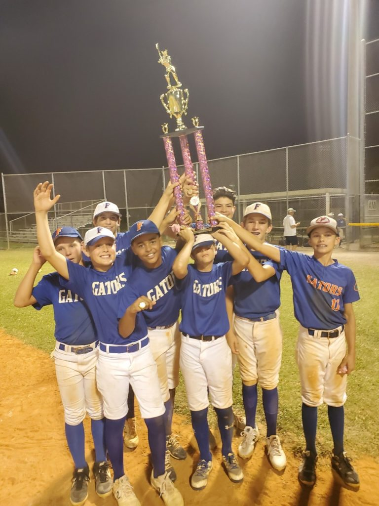 GARDENS GATORS TEAM TROPHY